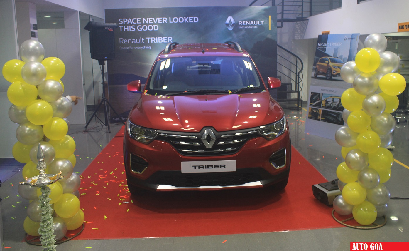 Renault Triber Spells Success Crosses 10 000 Mark Auto Goa